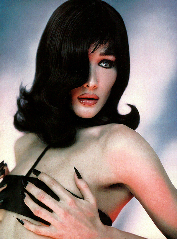 carla-bruni-by-javier-vallhonrat-vogue-italia-1